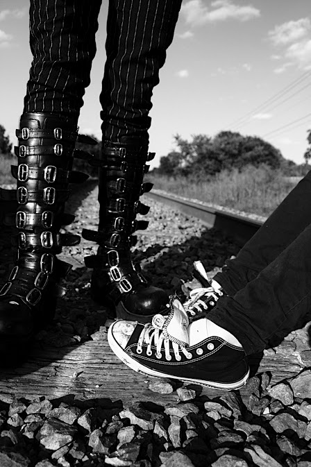 Teen Shoes on Tracks - American Series